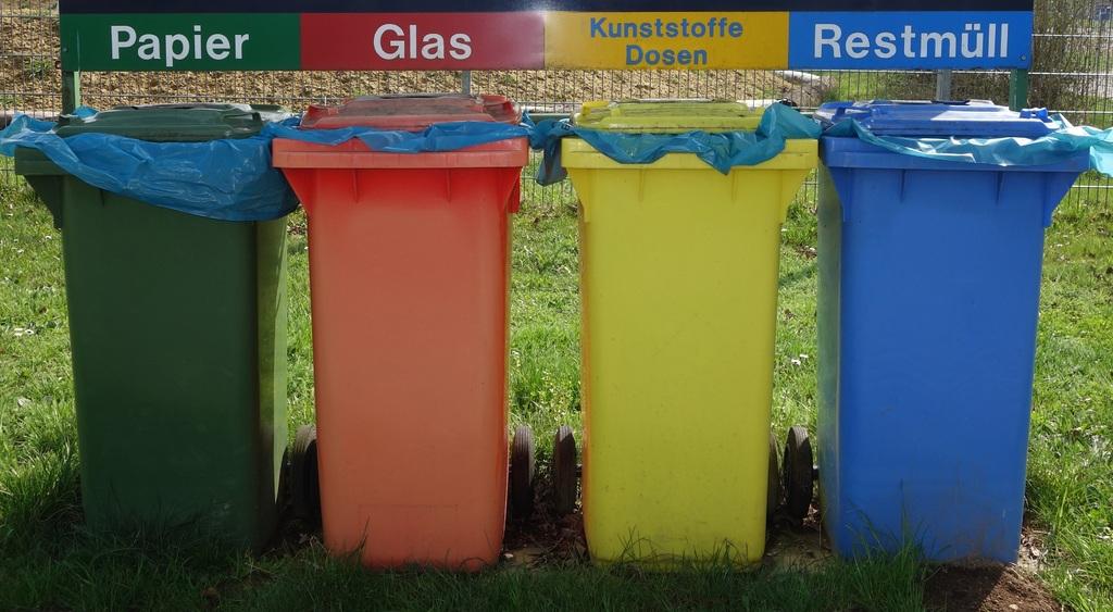 Les outils écologiques : biomimétisme, recyclage, énergies vertes, etc.